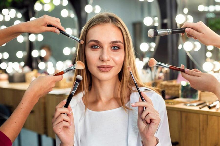 Serviço Maquiagem Salão de Beleza na Barra da Tijuca